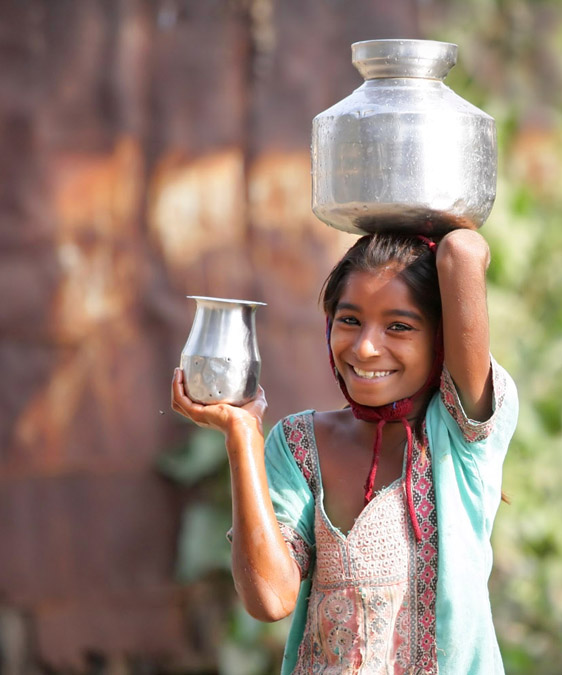 6-Girl Carrying Water562
